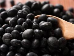 带皮吃黑豆 明显改善贫血